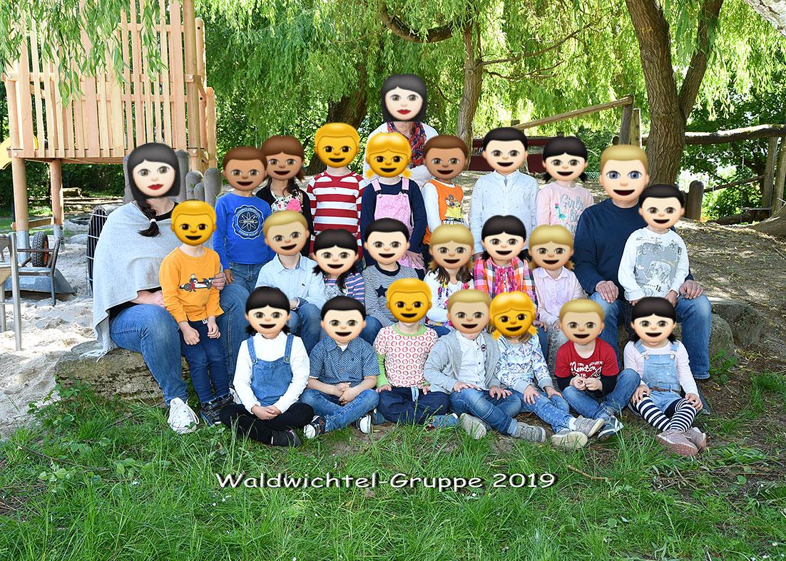 """Gruppenaufnahme im Kindergarten"""